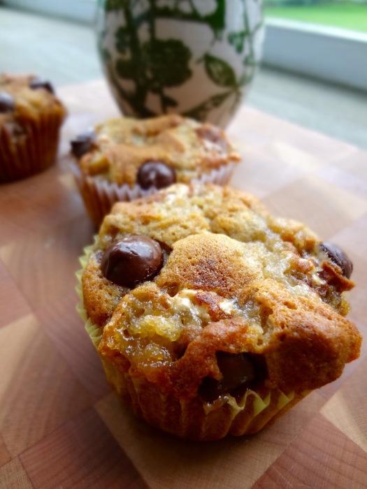 Kahlua S'mores Banana Muffins: The Briarwood Baker
